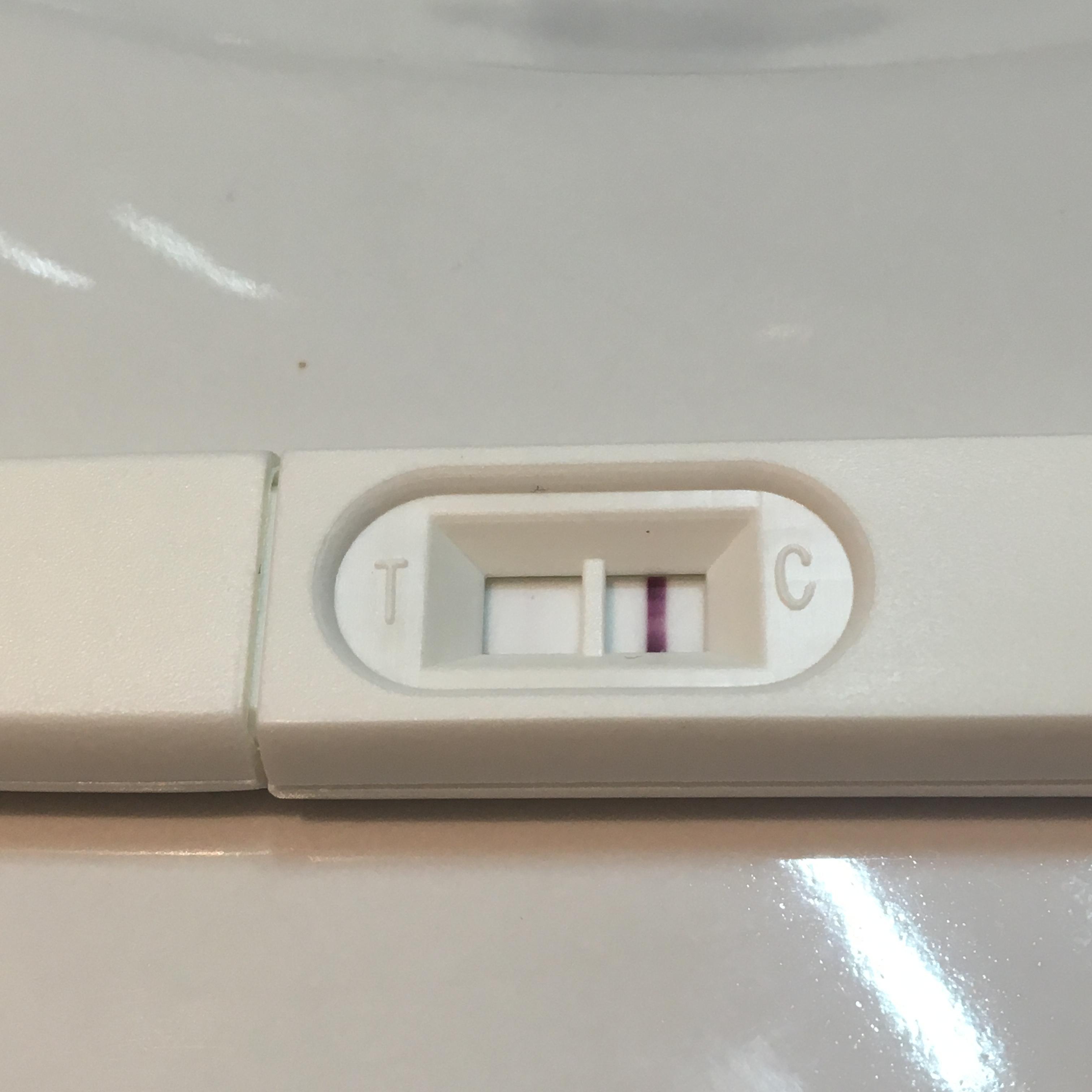 rosa utflod gravid tir blod kvinne