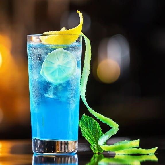 classic-blue-lagoon-cocktail-recipe.jpg