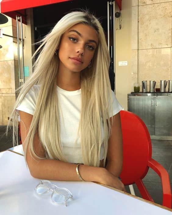 platinum-blonde-dark-roots-summer-color-min.jpg